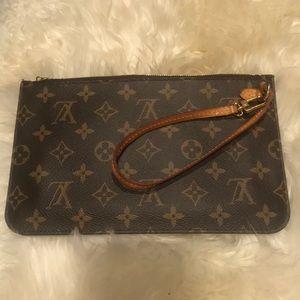 Louis Vuitton Bags - 💯 Authentic Louis Vuitton Monogram Beige Clutch